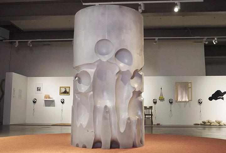 Скульптура для обнимания — 1, 2019